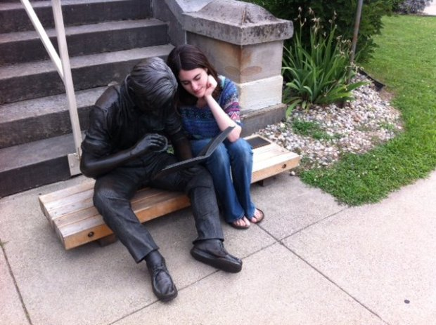 I also took pictures with random statues. People made out of bronze are surprisingly hard to get to know.